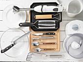 Kitchen utensils for making chicken skewers