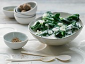 Spicy spinach with onions, garlic and soy cream
