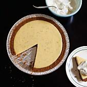 Key Lime Pie, angeschnitten (Draufsicht)