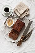 Rührkuchen aus Joghurt, Kakao und Gewürzen