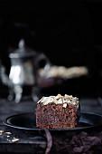 Schokoladenkuchen mit Mandelblättchen