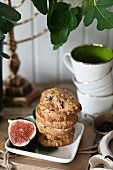 Fig and pecan cookies