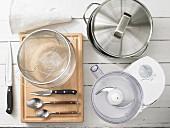 Küchenutensilien zur Zubereitung von Cannelloni