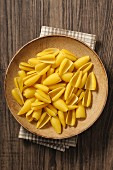 Castellane Parmigiane auf Teller