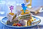 Rocket and scrambled egg club sandwiches