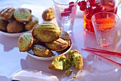 Spicy pesto madeleines