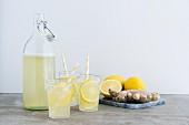 Selbstgemachte Zitronen-Ingwer-Limonade