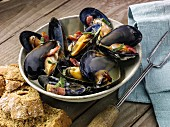Mussels with cider and smoky bacon
