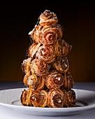 A pyramid cake with stringy caramel