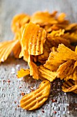 Spicy sweet potato crisps