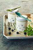 Heidelbeerjoghurt im Glas