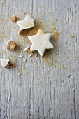 Cinnamon stars and scattered sugar
