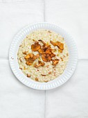 Risotto with chanterelle mushrooms (seen from above)