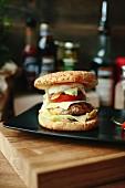 Cheeseburger mit Spiegelei