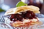 Filoteiggebäck mit Cranberries und Ricotta