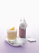 Mango muesli and a smoothie