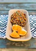 Fruchtiger Quinoasalat mit Birnen und Orangen