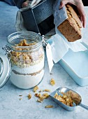 Coconut and pineapple baking mix with oats