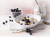 Overnight bircher muesli with fresh blueberries (Sirtfood)