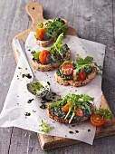 Crostini with kale and olive tapenade and rocket salad (Sirtfood)