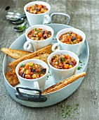 Colourful potato pots with chorizo ​​and spicy toast