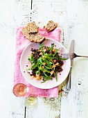 Rocket and lentil salad with papaya chunks