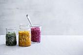 Fermentiertes Gemüse: Sauerkraut mit Kurkuma, Algen und Rote Bete