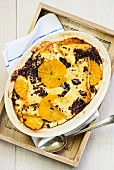 Bread and butter pudding with oranges (England)