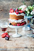 Sponge cake with berries and quark cream