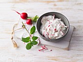 Radish dip with mint