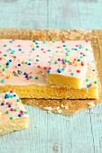 Express lemon cake with colourful sugar beads