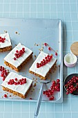 Redcurrant and nut cake (lactose-free, gluten-free and sugar-free)