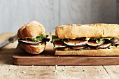 A French baguette with figs, gouda and lamb's lettuce