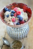 Berry porridge with cinnamon and coriander