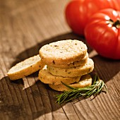Crostini with rosemary and garlic, with tomatoes