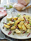 Potato salad with beetroot and a mustard dressing