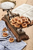 Walnut Sable Breton (biscuits with glazed walnuts)