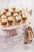 Small gingerbread pumpkin cupcakes