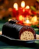 Ice cream coated in chocolate (Christmas)