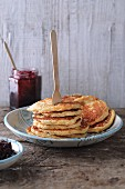 Gluten-free oat pancakes with cottage cheese and pears