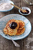 Gluten-free oat pancakes with quark, pears and jam