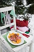 Gebratene Entenbrust mit karamellisierten Orangen zu Weihnachten
