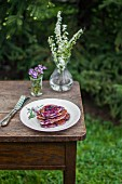 Pfannkuchen mit Heidelbeeren und Heidelbeersauce