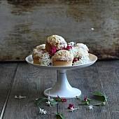 Cupcakes mit Blütendeko