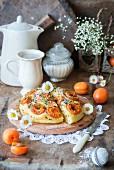 A summery mini apricot cake