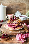 A summery mini cherry cake with almonds