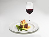Filet Oscar with crab, green asparagus and béarnaise sauce