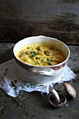 Mushroom curry with herbs