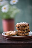 Rhubarb and oat cookies (vegan)