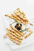 Shortcrust pastry breadsticks with rosemary and Parmiggiano-Reggiano